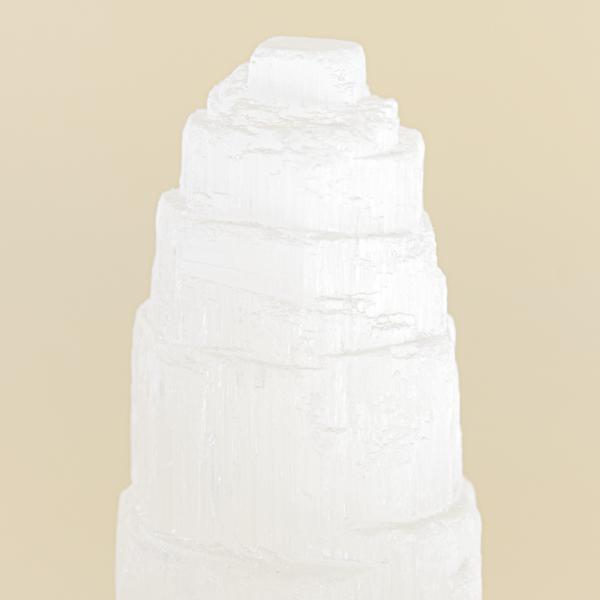 Obelisco escalonado de selenita