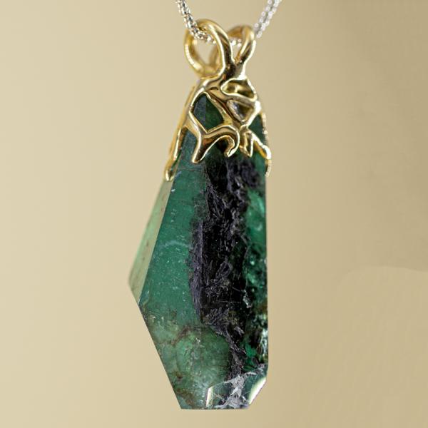 Colgante de Esmeralda con oro