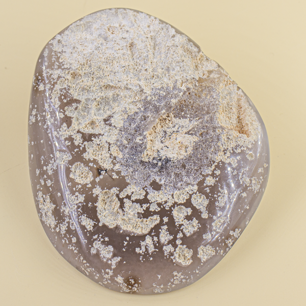 Geoda de ágata color gris
